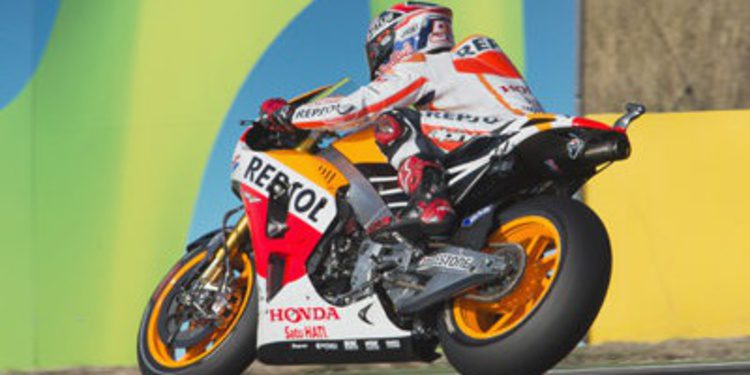 Marc Márquez asusta en el FP3 de MotoGP en Aragón