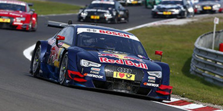 Mattias Ekström consigue la primera victoria de Audi
