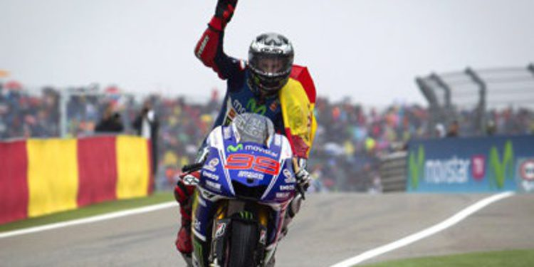 Jorge Lorenzo gana en Motorland con primer podio de Aleix Espargaró