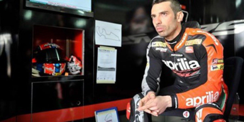 Desacato y victoria de Marco Melandri en Magny-Cours