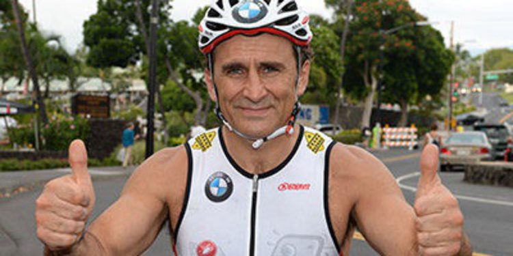 Alessandro Zanardi completa su primer triatlón en Hawaii