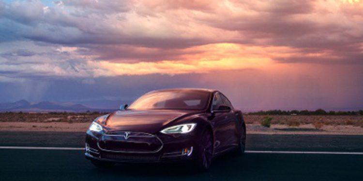 Tesla se distancia más con el Model S P85D de 691 CV