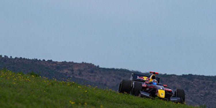Carlos Sainz y Roberto Merhi se juegan el titulo en Jerez