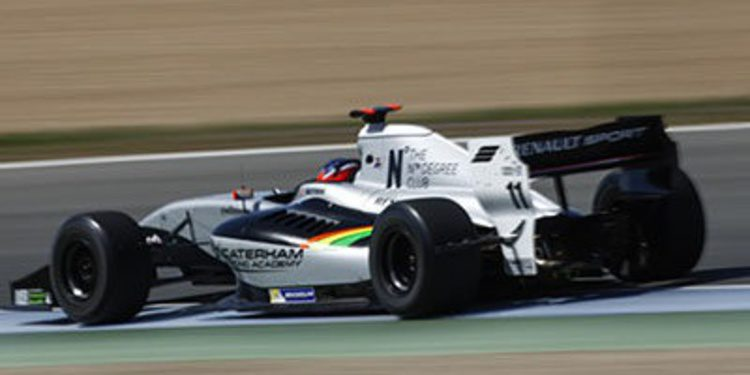 Will Stevens consigue una ajustada pole en Jerez