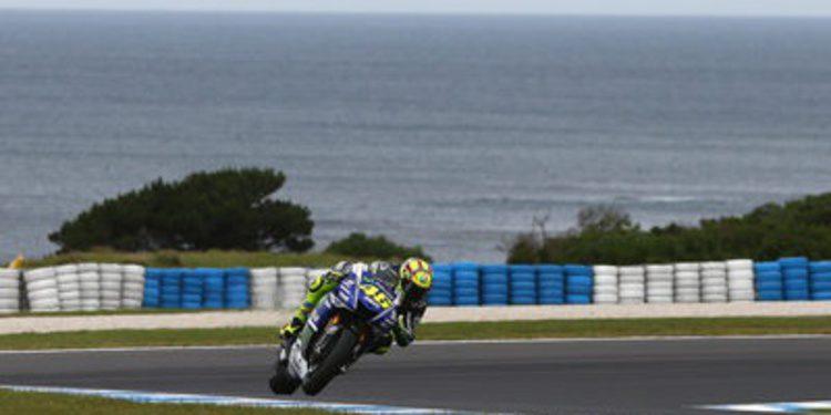 Valentino Rossi gana en Phillip Island en una carrera de 'descartes'
