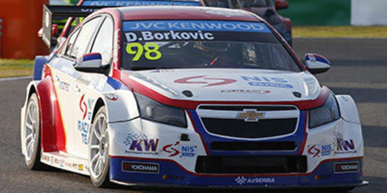 Gabriele Tarquini consigue la primera victoria del año para Castrol Honda