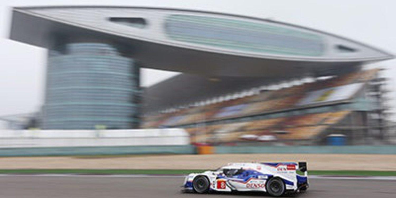 Toyota no tiene rival en Shanghai y logra el doblete