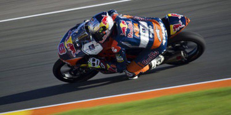 Jack Miller golpea el tablero de Moto3 en el FP3 de Cheste