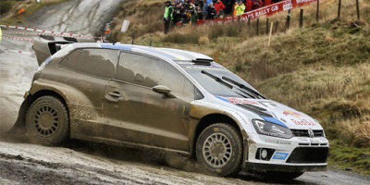 Ogier y Latvala en puja directa por el Rally de Gales