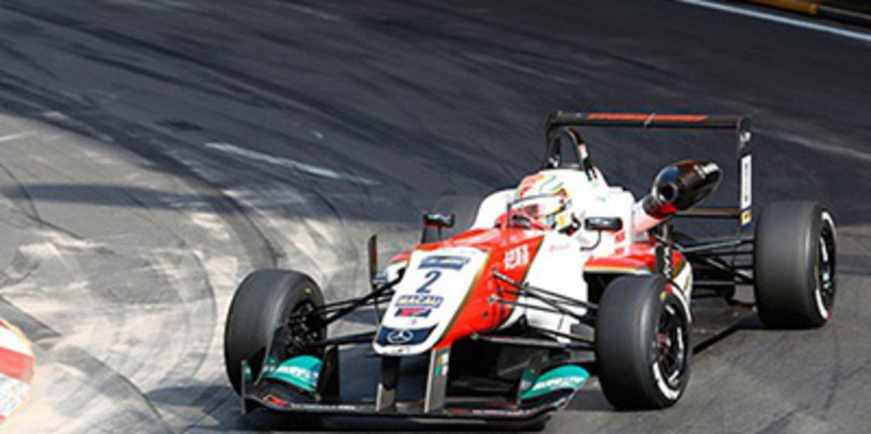 Antonio Fuoco probará varios GP3 en Abu Dhabi