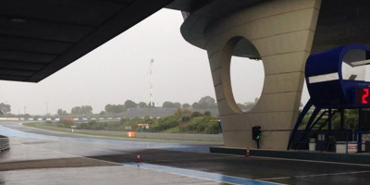 Leon Haslam referencia en el primer día de test en Jerez