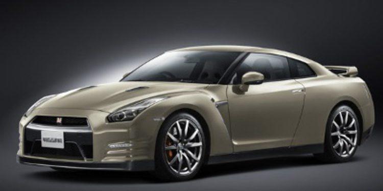"""Nissan lanza el GT-R 2015 y la edición especial """"45 aniversario"""""""