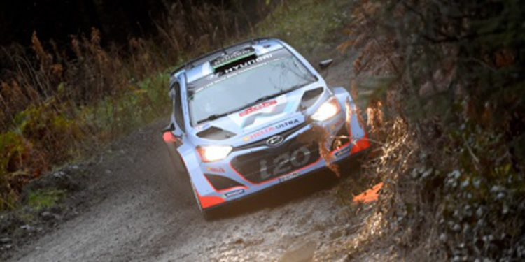 Hayden Paddon quiere pleno de tierra en el WRC 2015