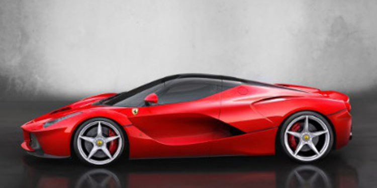 Chris Harris pasea el LaFerrari en Maranello
