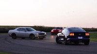 Enfrentados Challenger SRT Hellcat contra Camaro Z28 y Mustang GT