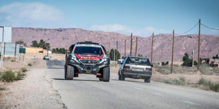 Peugeot de test con el 2008 DKR en Marruecos