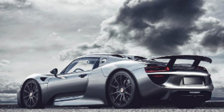 Porsche llama a revisión 205 unidades del 918 Spyder