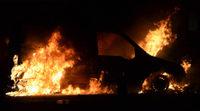 En Francia queman casi mil coches en Nochevieja
