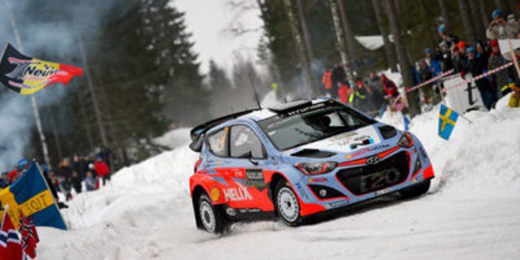 Thierry Neuville líder por sorpresa en el Rally de Suecia