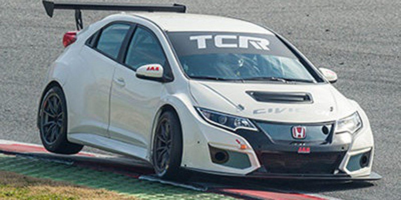 Gianni Morbidelli prueba el JAS Civic TCR en España