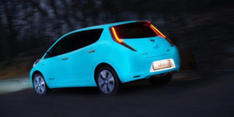 Nissan presenta un Leaf que brilla en la oscuridad