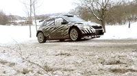 Jan Kopecký prueba el Skoda Fabia R5 sobre nieve