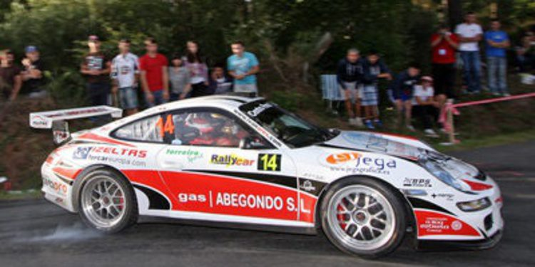 Iván Ares con un Porsche en el Nacional de Asfalto