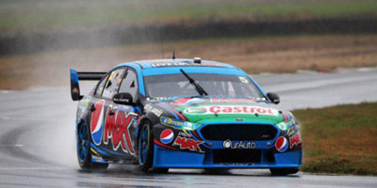Prodrive Racing manda en los libres del V8SC en Tasmania