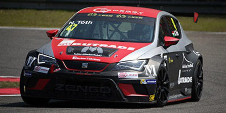 Gianni Morbidelli consigue la pole en Shangai