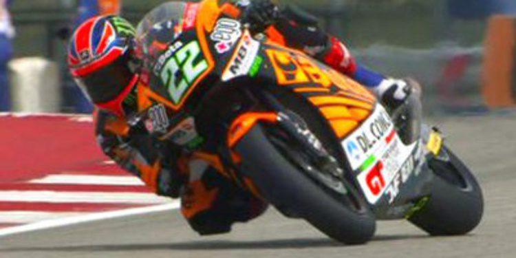 Sam Lowes vuelve a dominar en Moto2 con caída incluída