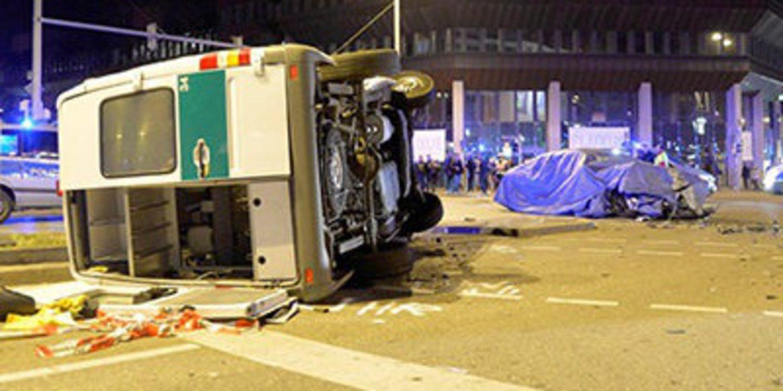 Un BMW Serie 7 de pruebas se accidenta en Stuttgart