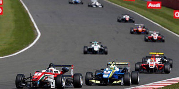 Tres vencedores en la cita de la F3 en Silverstone