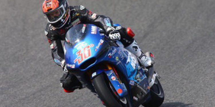 Mika Kallio se deja ver en el warm up de Moto2