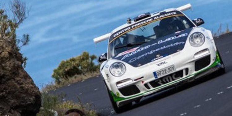 Miguel Fuster vuelve a ganar en el Rally Islas Canarias