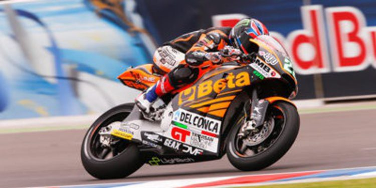 Buen ritmo de Sam Lowes en el warm up de Moto2