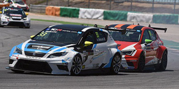 Michel Nykjaer se impone en la segunda carrera de las TCR