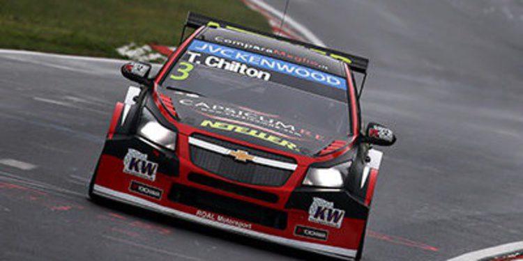 Tom Chilton lidera el warm up en Nurburgring
