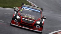 Tom Chilton lidera el warm up en Nurburgring