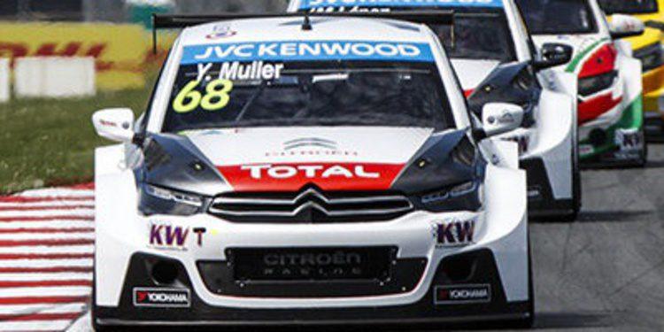 Yvan Muller vence con comodidad en la primera carrera