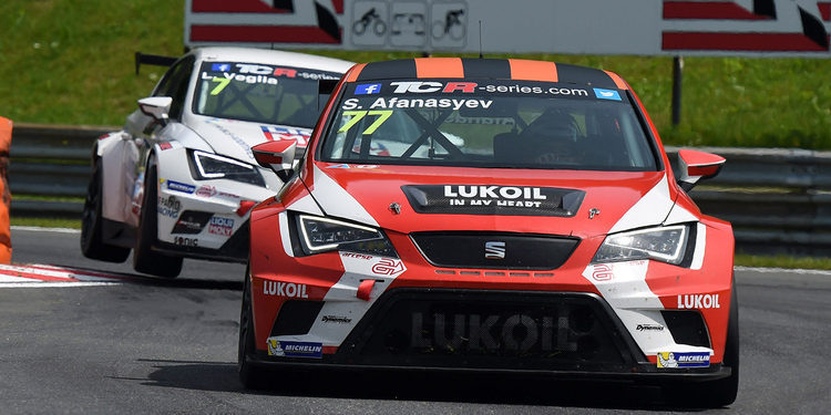 Sergey Afanasiev disfruta en las TCR International Series