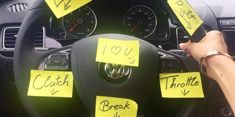Sebastien Ogier no se fía de su mujer al volante