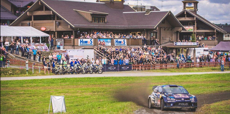 Latvala lidera el Rally de Finlandia y la general