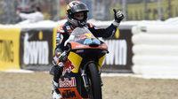 Miguel Oliveira es la esperanza de KTM en Moto3