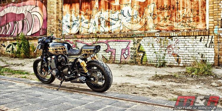 Las motos aparcadas en la acera pasarán a ser historia en Valencia