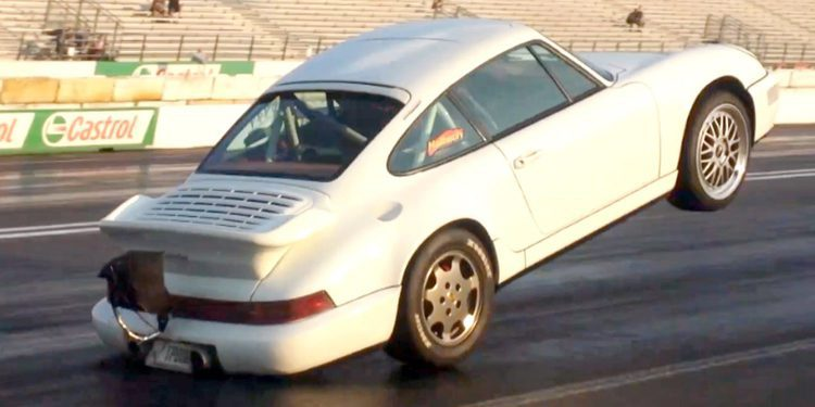 Porsche 911 de 1.300 CV levantándose al acelerar