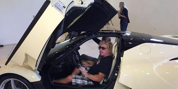 """El cantante de Van Halen y su """"Cappuccino"""" Ferrari LaFerrari"""