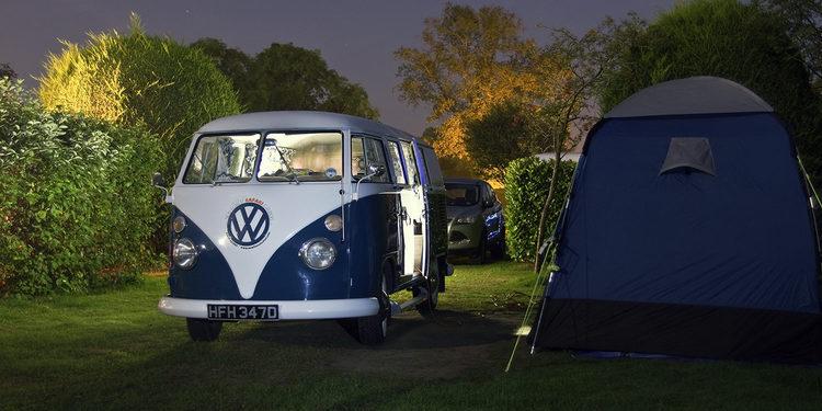 La Volkswagen Transporter Hippie vuelve, ahora eléctrica