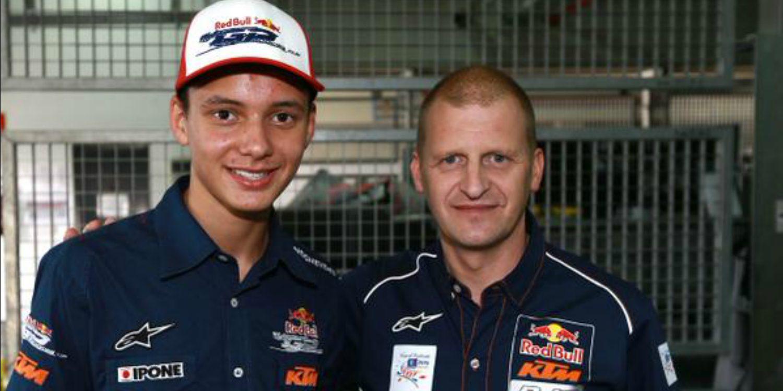 Bo Bendsneyder y Brad Binder en el Red Bull KTM Ajo
