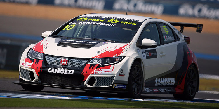 Gianni Morbidelli consigue la pole en Buriram