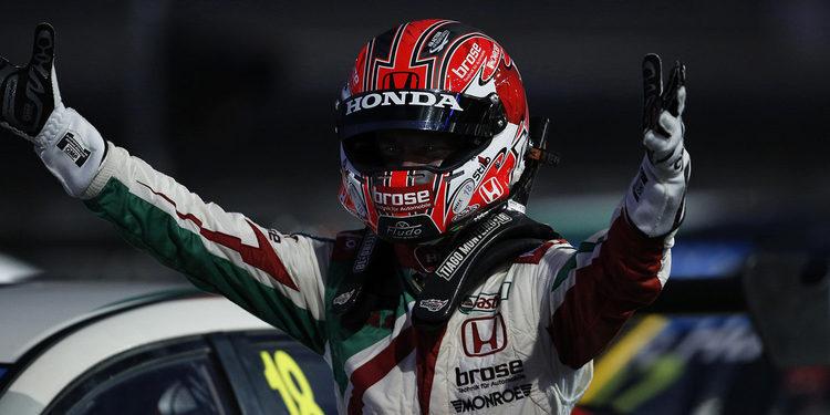 Tiago Monteiro consigue su tercera victoria del año en Buriram